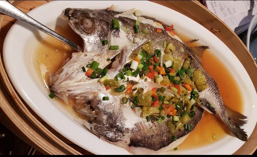 清蒸海鱸魚,保持原風味,講求鮮度